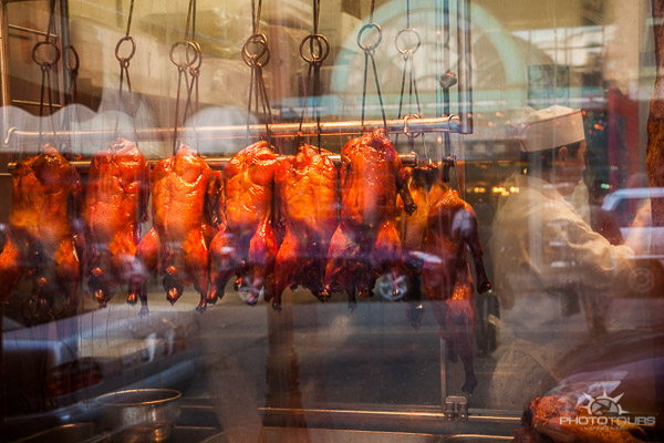 Photo Tours Vancouver window of duck roaster in Chinatown by Aura McKay