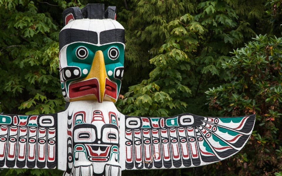 Photo Tours Vancouver - totem pole by Aura McKay